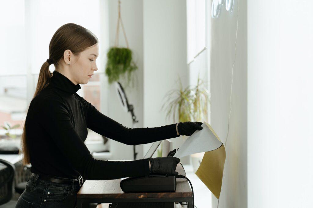 woman receiving fax