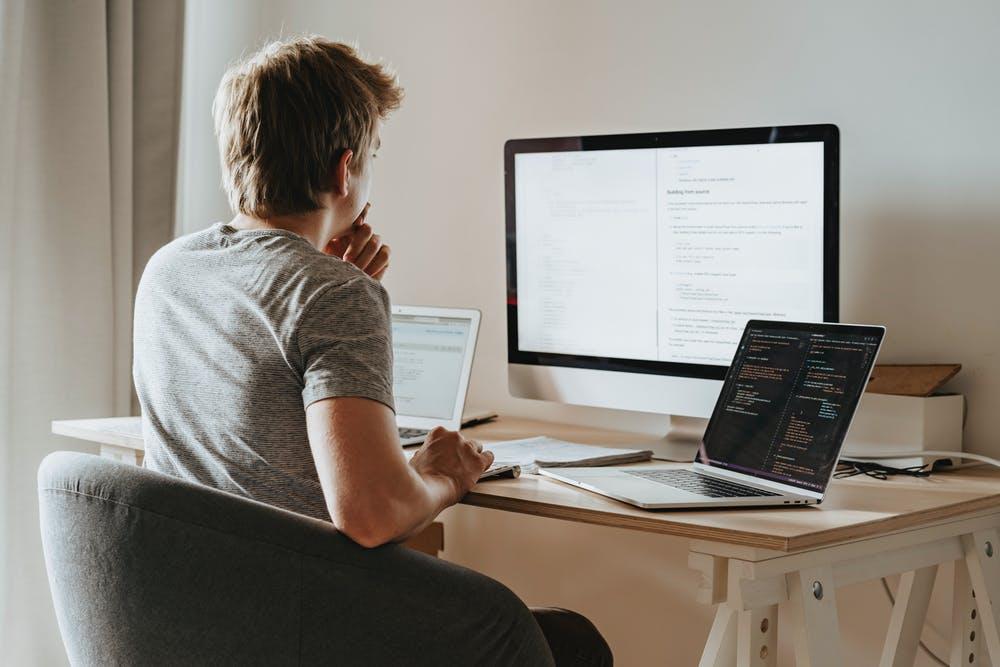 man choosing best online fax service